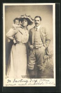 AK Opernsänger Kennerly Rumford und Clara Butt mit Baby