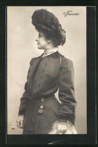 AK Opernsängerin Farrar im hübschen Kleid mit Hut