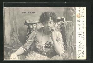 AK Opernsängerin Miss Clara Butt im hübschen Kleid