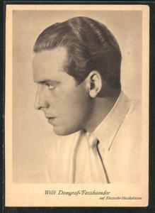 AK Opernsänger Willi Domgraf-Fassbaender mit zurückgekämmten Haaren