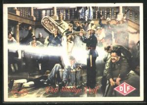 AK Filmszene aus Das sündige Dorf, Platzkonzert im Gasthof