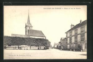 AK Savigny-Le-Temple, Place et rue du Plessis