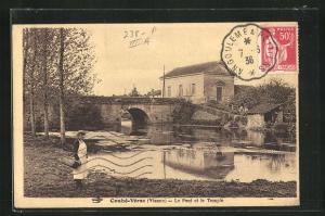 AK Couhé-Vérac, Le Pont et le Temple