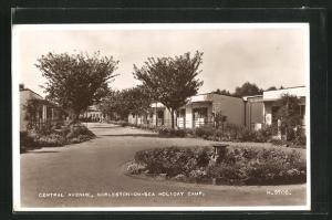 AK Gorleston-on-Sea, Central Avenue at Holiday Camp