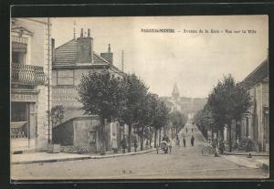 AK Paray-le-Monial, Avenue de la Gare, vue sur la Ville
