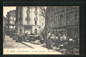 AK Blois, Rue Denis-Papin, Un Jour de Marché