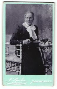 Fotografie A. Spahn, Hammelburg, Portrait betagte Dame mit freundlichem Blick