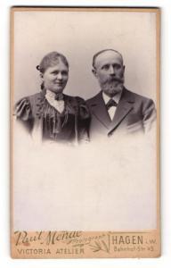 Fotografie Paul Mende, Hagen i. W., Portrait elegant gekleidetes Paar