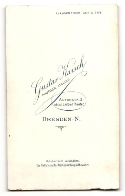 Fotografie Gustav Karsch, Dresden-N, Portrait Fräulein mit zusammengebundenem Haar 1