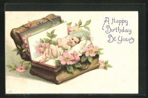 Präge-AK Geburtstag, Baby in einem Reisekoffer mit Blumen, A Happy Birthday be yours