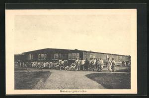 AK Sprottau, Kriegsgefangene vor der Genesungsbaracke, Allied POW Camp