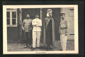 AK Sprottau, Kriegsgefangene aus verschiedenen Ländern, Gruppenbild, Allied POW Camp