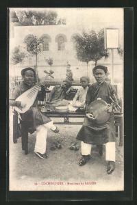 AK Musiker aus Saigon mit Instrumenten