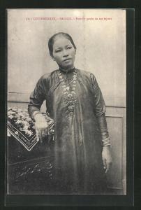 AK Saigon, Femme parée de ses bijoux, Reiche Vietnamesin