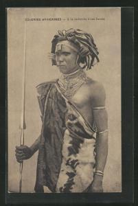 AK Colonies Africaines, a la recherche d'une fiancee, afrikanischer Krieger mit Speer