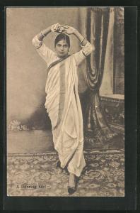 AK A Dancing Girl, indische junge Tänzerin im Gewand