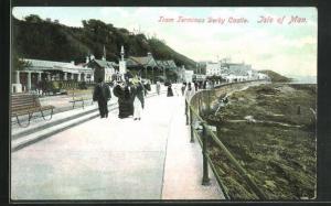 AK Isle of Man, Tram Terminus Derby Castle mit Reisenden