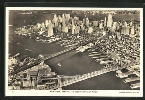 AK New York, NY, Manhattan seen from East River, Manhattan Bridge, Brooklyn Bridge, Fliegeraufnahme