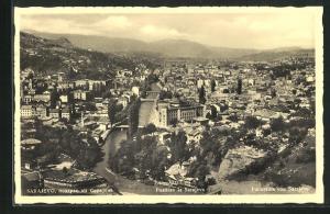 AK Sarajewo, Ortsansicht mit Fluss, Brücken, Häuser und Landschaft