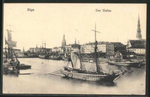 AK Riga, Der Hafen mit Segelschiffen, Kirchtürmen und Häuser