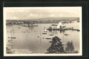 AK Oslo, Panorama vom Ort am Wasser mit Schiffen und Segelbooten