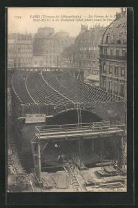 AK Paris, Travaux du Metropolitain, Les Fermes de la Place Saint-Michel et du Boulevard Saint-Andre avant le Foncage