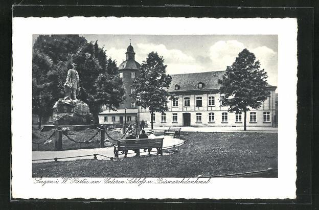 AK Siegen i. W., Partie am Unterem Schloss mit Bismarckdenkmal 0