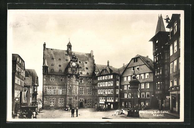 AK Marburg a. d. Lahn, Markt mit Denkmal und Häuserfassaden 0
