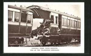 AK Quintinshill, Eisenbahnkatastrophe, Terrible troop train disaster, one of the telescoped carriages