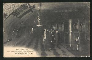 AK Paris, Vue intérieure d`une Gare souterraine du Métropolitain, U-Bahn