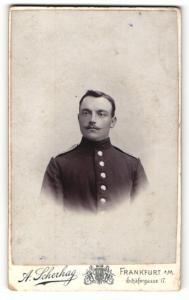 Fotografie A. Scherhag, Frankfurt / Main, Portrait dunkelhaariger stattlicher Soldat in Uniform