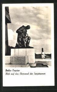 AK Berlin-Treptow, Blick auf das Ehrenmal der Sowjetarmee