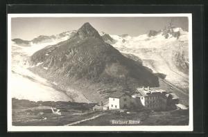 AK Berliner-Berghütte mit verschneiten Beren dahinter