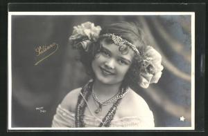 Foto-AK Walery, Paris: Liliane mit Kopfschmuck und Halsketten
