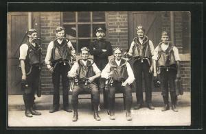AK Bergbau-Arbeiter mit Sauerstoff-Selbstretter, Gruppenbild