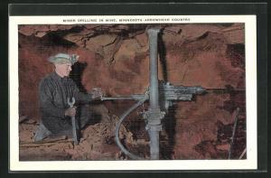 AK Arrowhead Country, Minnesota, Miner drilling in mine, Kupfermine