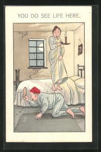 AK Ehepaar jagt im Schlafzimmer nach Flöhen