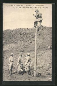 AK Infanteristen errichten einen Telegraphenmast