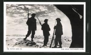 AK British soldiers stand guard, Britische Soldaten auf ihrem Wachposten