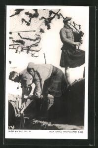 AK Highlanders Dig, Schotten mit Dudelsack