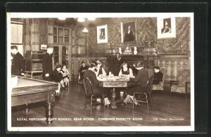 AK Bear Wood, Royal Merchant Navy School, Combined Prefects` Room, Innenansicht