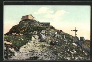 AK Snowdon, Summit