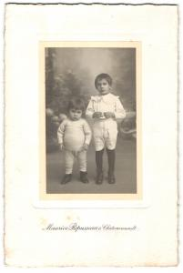 Fotografie Maurice Repusseau, Châteaurenault, Portrait Kleinkind und älterer Bruder