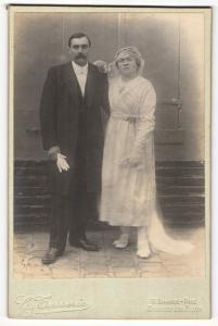 Fotografie G. Tasserie, Enghien-les-Bains, Portrait bürgerliches Paar in Hochzeitskleidung mit Schleier