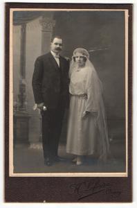 Fotografie H. Lefevre, Orsay, Portrait bürgerliches Paar in Hochzeitskleidung mit Schleier