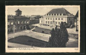 AK Cuestrin / Kostrzyn, Bahnhofsplatz und Postamt