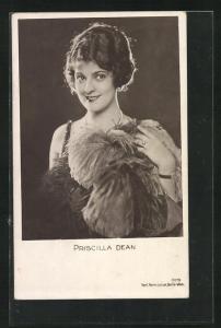 AK Schauspielerin Priscilla Dean im Kostüm einer Filmrolle