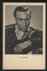 AK Schauspieler Carl Rddatz ernst blickend
