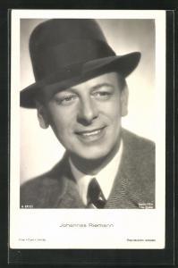AK Schauspieler Johannes Riemann mit Hut