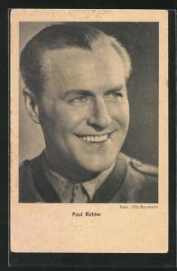AK Schauspieler Paul Richter lachend